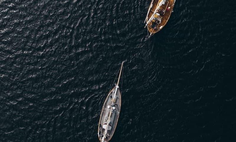 Vorfahrtsregeln beim Segeln